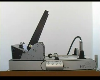 Разлистващо устройство V710, транспортна лента HSA600 и принтер Хитачи
